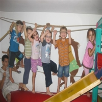 תנועה והתעמלות תינוקות וילדים